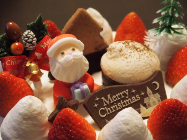 クリスマスケーキの始まりって?