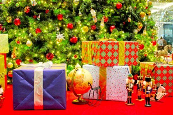 男の子へクリスマスプレゼント!子供に人気の学年別プレゼント15選