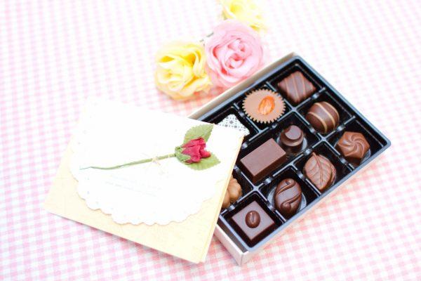 会社での義理チョコの渡し方のポイントとは?