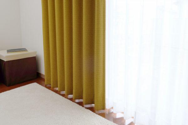 一人暮らしに必要な寝具:カーテン