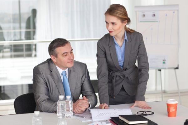 上司や先輩への年賀状に添え書きする一言文例集