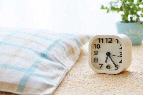 早起きは不眠症の一種!?早朝覚醒の原因と対策や改善方法とは?